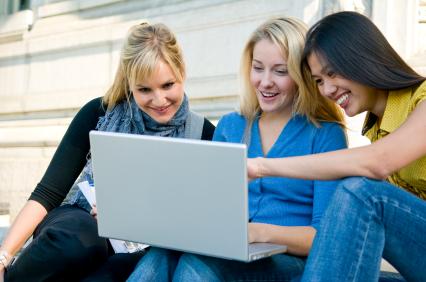 sisterhood of the traveling laptop